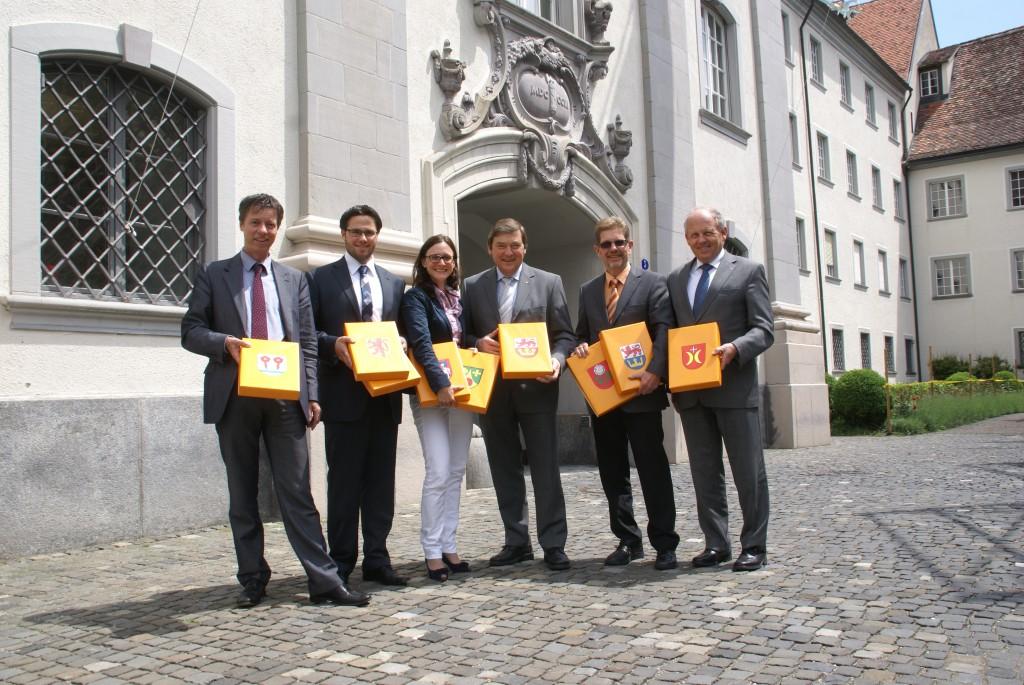 """CVP Linth reicht Petition """"Linthgebiet stärken!"""" ein (Dienstag, 05.06.2012)"""